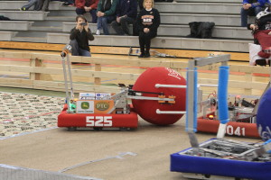 Swartdogs 525's robot competes.