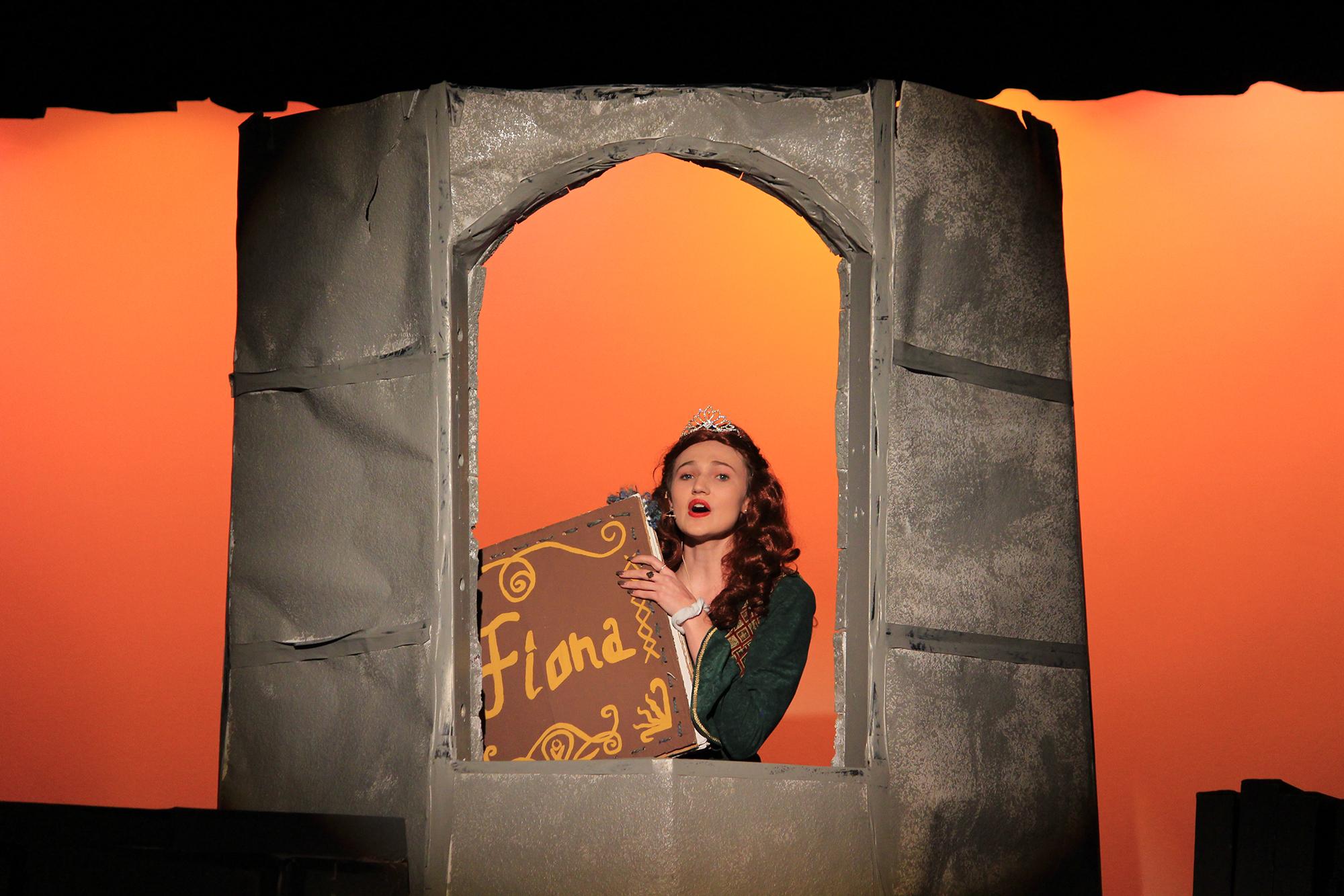 Emma Graening as Princess Fiona