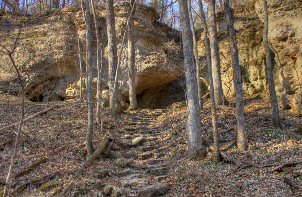 iowa-backbone-state-park-small-steps-up-the-hill